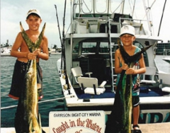 kids_dolphin_fishing